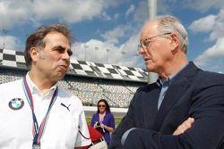 Ludwig Willisch, Chefe da BMW Norte Americana e James C. France, Vice Presidente Executivo da NASCAR