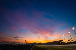 Spectacular sunset on Daytona before the evening practice session