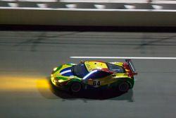 #64 Scuderia Corsa Ferrari 458: Chico Longo, Raphael Matos, Xandinho Negrao, Daniel Serra