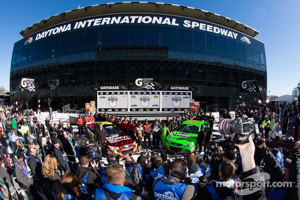 Front row for the 2013 Daytona 500: pole winner Danica Patrick, Stewart-Haas Racing Chevrolet, with second fastest qualifier Jeff Gordon, Hendrick Motorsports Chevrolet