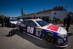Voiture de Dale Earnhardt Jr., Hendrick Motorsports Chevrolet passage à l'inspection technique