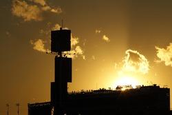De zon gaat onder in Daytona