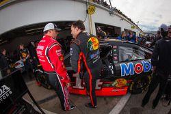 Ryan Newman, Stewart-Haas Racing Chevrolet et Tony Stewart, Stewart-Haas Racing Chevrolet