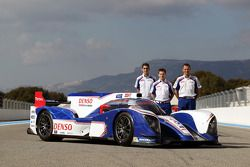 Sebastien Buemi, Anthony Davidson, Stéphane Sarrazin with the Toyota TS030 Hybrid