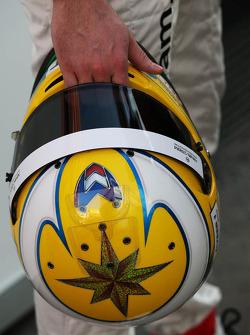 Le casque de Luiz Razia, Marussia F1 Team
