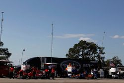 Scott Dixon, Chip Ganassi Racing e Charlie Kimball, Chip Ganassi Racing