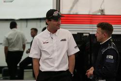 Penske Racing Presidente Tim Cindric com A.J. Allmendinger, Penske Racing