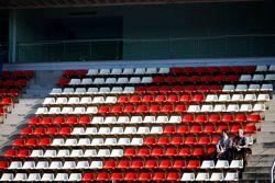 Deux fans dans la tribune