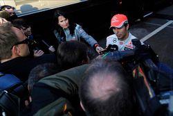 Sergio Pérez, McLaren con los medios