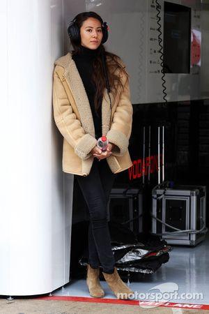 Jessica Michibata, novia de Button, McLaren