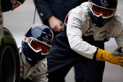 Mecânicos da Williams treinam pit stops