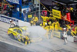 Blown engine for Matt Kenseth, Joe Gibbs Racing Toyota