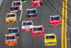 Michael Annett e Eric McClure lidera grupo de carros