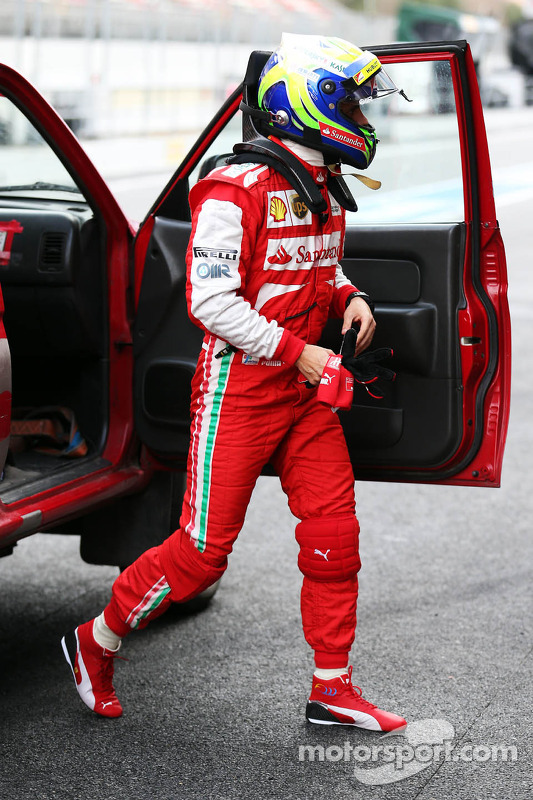 Felipe Massa, Ferrari, retorna aos boxes