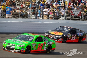 Danica Patrick, Stewart-Haas Racing Chevrolet and Tony Stewart, Stewart-Haas Racing Chevrolet