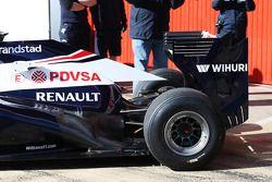 Williams FW35 exhaust ve rear suspension