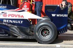 Williams FW35 arka kanat ve exhaust