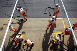 Sahara Force India F1 Team oefent pitstops