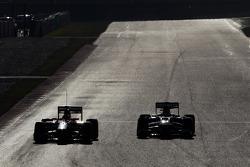 Jules Bianchi, Marussia F1 Team MR02 y Esteban Gutiérrez, Sauber C32