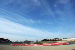 Paul di Resta, Sahara Force India VJM06 lidera a Jules Bianchi, Marussia F1 Team MR02