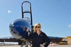 Courtney Force , Blue Angels jet içinde