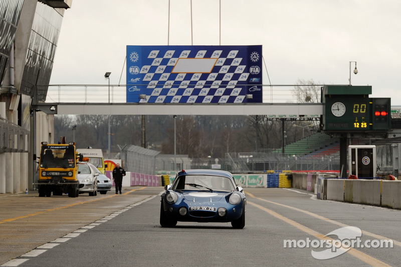 Carlos Tavares, operating chief Renault arrives in a classic Alpine