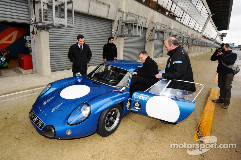 Carlos Tavares, operating chief of Renault arrives in a classic Alpine