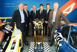 Carlos Tavares, chefe operacional da Renault, Pierre Fillon, presidente do ACO, Philippe Signault, Pierre Ragues e Nelson Panciatici