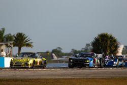 #11 JDX Racing Porsche 911 GT3 Cup: Mike Hedlund, Jan Heylen, Jon Fogarty, #55 BMW Team RLL BMW Z4 G