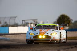 #97 Aston Martin Racing Aston Martin Vantage V8: Darren Turner, Stefan Mücke, Bruno Senna
