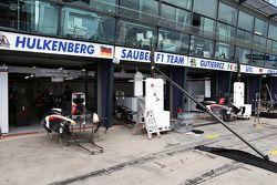 Sauber pit garajıs