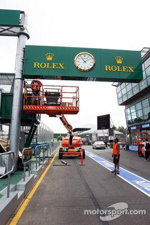Rolex branding pit stop