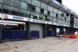 Red Bull Racing pit garajıs