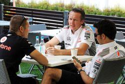 Sam Michael, McLaren Direktör ve Sergio Perez, McLaren