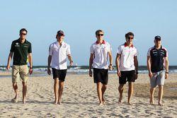 Rookie pilotu s, beach, Giedo van der Garde, Caterham F1 Team; Esteban Gutierrez, Sauber; Max Chilto