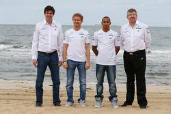 Toto Wolff, Mercedes AMG F1 ; Nico Rosberg, Mercedes AMG F1; Lewis Hamilton, Mercedes AMG F1; et Ross Brawn, Mercedes AMG F1 Team