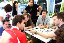 Jules Bianchi, Marussia F1 Team con los medios