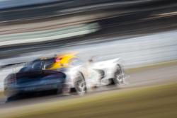 #93 SRT Motorsports SRT Viper GTS-R: Jonathan Bomarito, Tommy Kendall, Kuno Wittmer