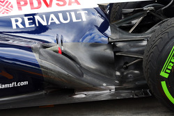 Valtteri Bottas, Williams FW35 exhaust ve rear suspension