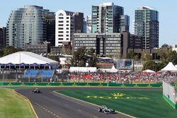 Nico Rosberg, Mercedes AMG F1 W04 ve Lewis Hamilton, Mercedes AMG F1 W04