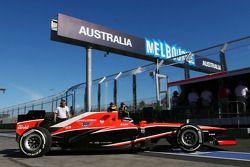 Max Chilton, Marussia F1 Team MR02 pit stop