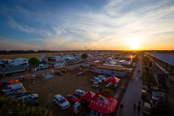 pôr-do-sol on Sebring paddock