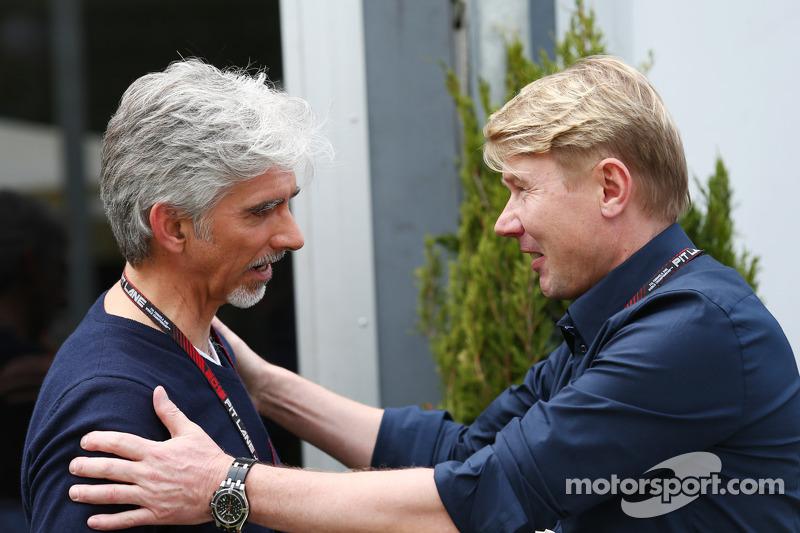 Damon Hill, Sky Sports-presentator met Mika Hakkinen