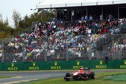 Max Chilton, Marussia F1 Team MR02 runs wide