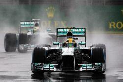 Lewis Hamilton, Mercedes AMG F1 W04 ve Nico Rosberg, Mercedes AMG F1 W04