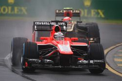 Jules Bianchi, Marussia F1 Team MR02 ve Romain Grosjean, Lotus F1 E21