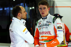 Paul di Resta, Sahara Force India F1 et Gianpiero Lambiase, Sahara Force India