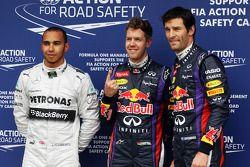 De top drie uit de kwalificatie in parc ferme: Mercedes AMG F1, derde; Sebastian Vettel, Red Bull Ra