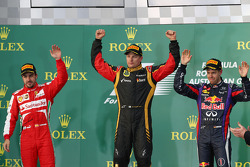 Kimi Räikkönen, Lotus F1 Team et Sebastian Vettel, Red Bull Racing