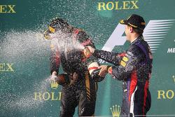 Kimi Räikkönen, Lotus F1 Team et Sebastian Vettel, Red Bull
